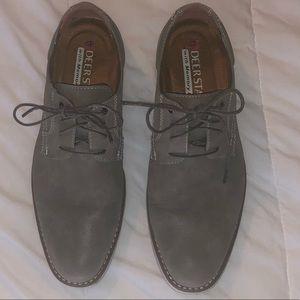Deer Stags men's gray dress shoes